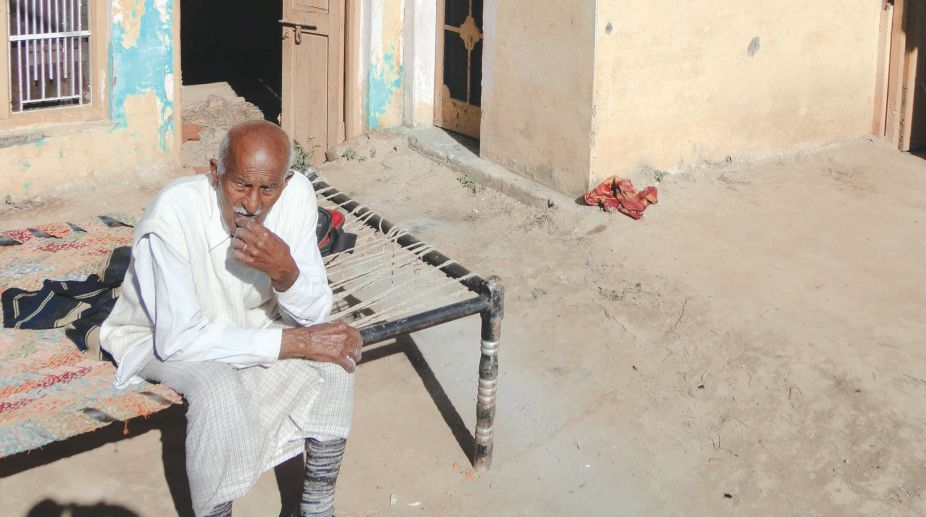 Border village house bears marks of Pakistani shelling