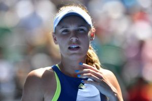 Caroline Wozniacki grips top spot in women's tennis rankings