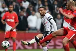 Everton sign Turkish forward Cenk Tosun