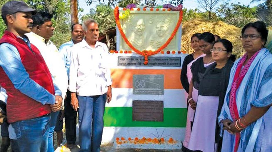 Kendrapara district observed Gandhi Jayanti by paying tribute to Mahatma and Raghunath Nayak