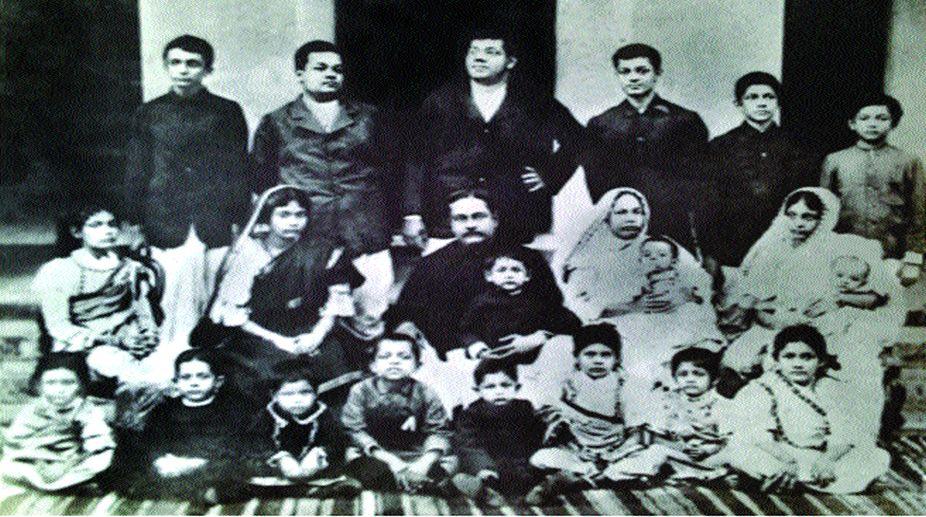 Janaki Nath and Prabhabati with family (circa 1905)