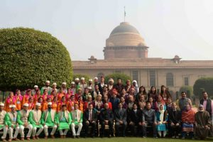 President Kovind meets R-Day parade participants