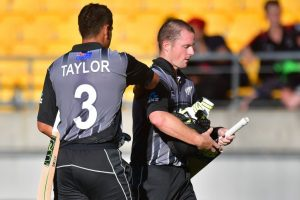 All according to Munro plan as New Zealand sinks Pakistan