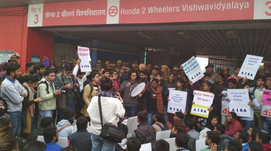 Delhi University, AISA, Delhi Metro, DMRC, Vishwavidyalaya Metro Station