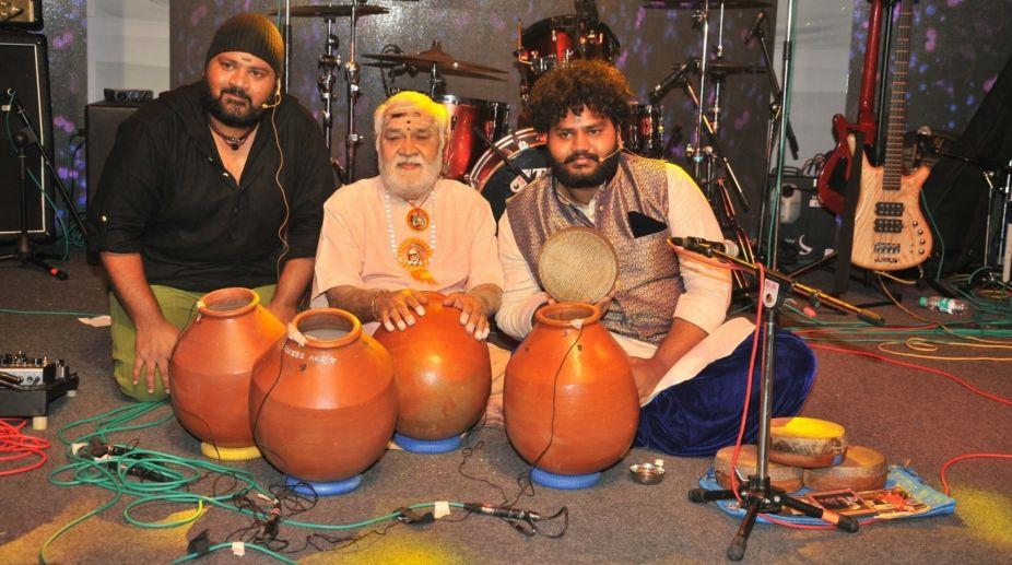 T.H. Vinayakram, Vikku Vinayakram. Music, Concert