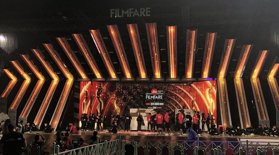 Filmfare Awards, 2018, Akshay Kumar, Shah Rukh Khan