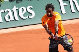 Monfils beats Rublev to win title
