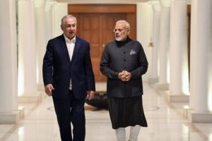 Modi-Netanyahu receive warm welcome in Gujarat, hold mega roadshow