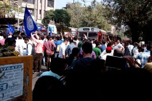 A day after Pune clash, Dalits lay siege to parts of Mumbai; call given for Wednesday bandh