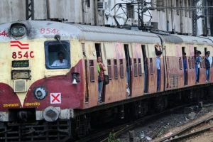Woman allegedly harassed in Mumbai local