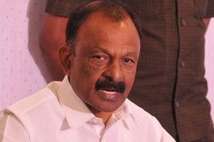 Andhra, Telangana govts succumbing to pressure from Centre: Cong