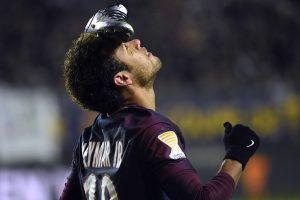 Neymar strikes as PSG reach League Cup semis