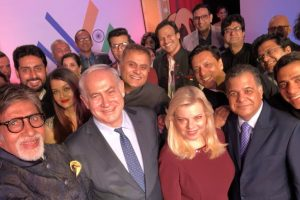 Israel PM Netanyahu's 'Oscar selfie' with Amitabh, other Bollywood stars