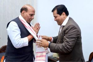 Assam CM Sonowal meets Rajnath, discuss Indo-Bangla border sealing