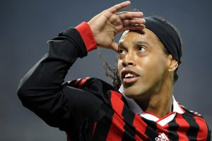 Football stars, past and present, shower Ronaldinho with praise