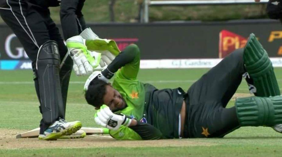 Shoaib Malik injured