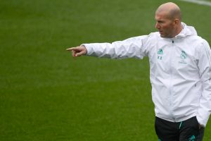 Zinedine Zidane pens new Real Madrid deal until 2020