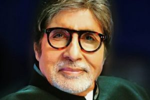 Amitabh Bachchan sings an A-Capella number