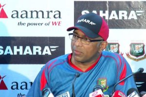 Sri Lanka Cricket gives Hathurusinghe selector's job on tour