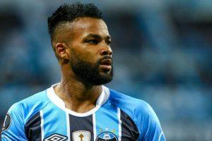 China's Chongqing Lifan sign Brazilian winger Fernandinho