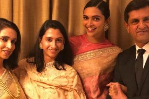 Deepika gets emotional as her father Prakash Padukone receives Lifetime Achievement Award