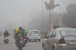 Cold, Foggy Saturday morning; train and flight services affected in Delhi