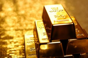 Gold regains on jewellers' buying, global cues