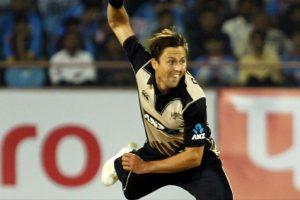 Boult's fifer guides Kiwis to easy win vs Pakistan