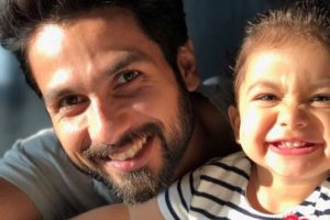 Shahid-Misha selfie lights up fans' Sunday