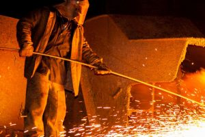 'Steel industries face difficulties in iron ore supply'