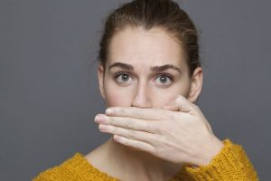 Combat bad breath with natural mouthwashes
