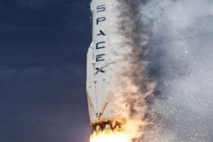 SpaceX's Falcon Heavy rocket test fire deferred due to U.S. government shutdown