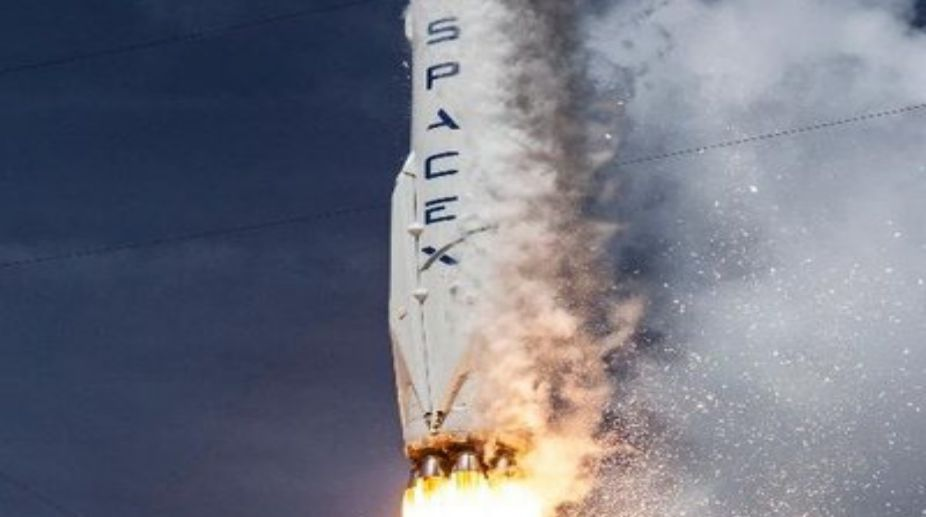 SpaceX launches Falcon 9 with first broadband internet satellites