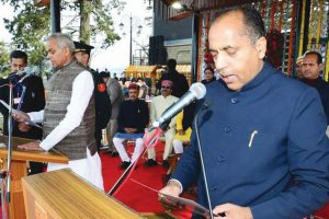 Himachal CM slams Cong, lists govt's achievements