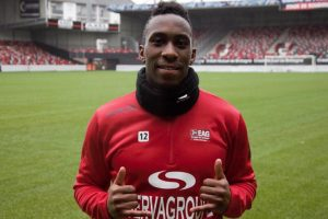 Ngbakoto back to French football league from QPR