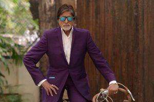 Amitabh Bachchan slams social media trolls in 'Big B' style