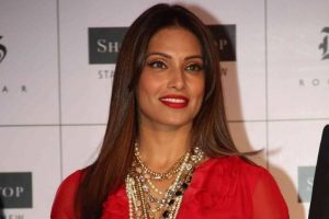 Bipasha Basu accuses Gitanjali Jewels of contract breach