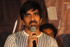 Ravi Teja to play three different avatars in 'Touch Tesi Chudu'