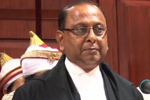 Fractured face of top judiciary will dent credibility: Justice Roy