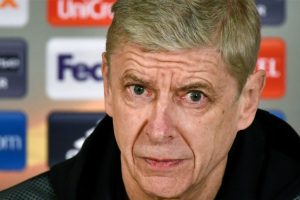 Coach Arsene Wenger seeks strong response from Arsenal against Manchester City