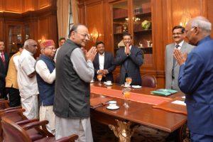 Union Budget 2018-19: Arun Jaitley meets President Kovind