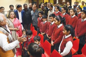 Khattar meets students whose bus was attacked by Karni Sena activists