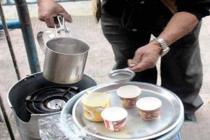 As cold grows, 'street tea' keeps K'pong going