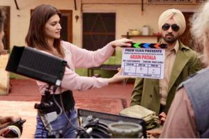 Kriti Sanon becomes 'assistant director' on sets of 'Arjun Patiala'