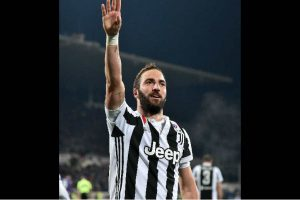 Gonzalo Higuain promises speedy recovery from ankle injury