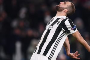 Juventus striker Gonzalo Higuain lashes out at 'armchair critics'