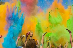 Say hello to natural colours this Holi
