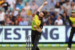 Australia thrash England in T20 clash