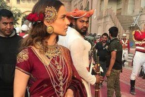 In pics: Kangana Ranaut's royal look in 'Manikarnika' revealed