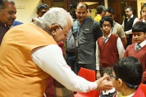 'Padmaavat' row: Haryana CM meets students whose bus was attacked